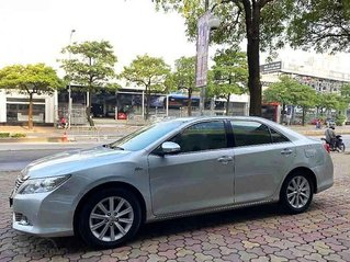 Bán Toyota Camry 2.5G đời 2012, màu bạc chính chủ