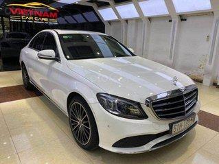 Cần bán Mercedes Benz C200 Exclusive model 2020, màu trắng