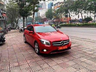 Cần bán gấp Mercedes A200 sản xuất năm 2013, màu đỏ, nhập khẩu nguyên chiếc, giá 695tr