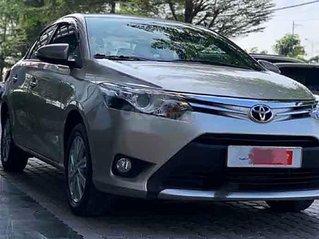 Cần bán gấp Toyota Vios sản xuất 2016, màu vàng, giá chỉ 450 triệu
