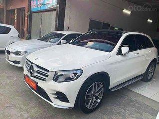 Cần bán Mercedes GLC 300 đời 2017, màu trắng