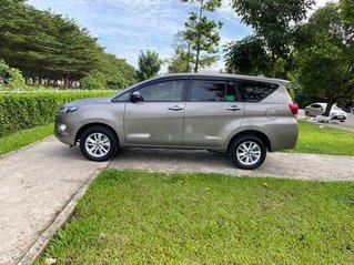 Cần bán gấp Toyota Innova sản xuất 2018, xe như mới