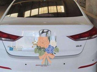 Bán Hyundai Elantra năm sản xuất 2018, xe 1 chủ