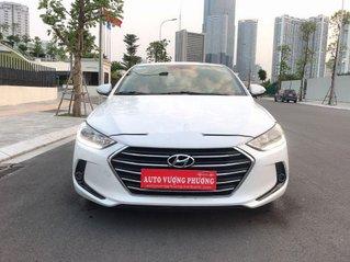 Cần bán gấp Hyundai Elantra sản xuất 2017 còn mới