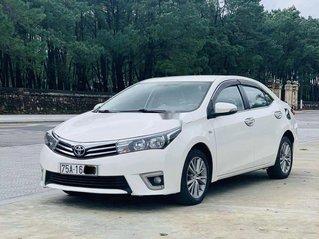 Cần bán xe Toyota Corolla Altis năm 2015, màu trắng còn mới