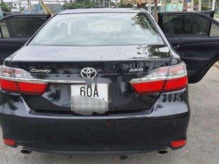 Cần bán lại xe Toyota Camry năm 2015 còn mới