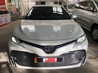 Cần bán Toyota Camry năm 2019, nhập khẩu nguyên chiếc còn mới