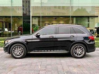 Cần bán Mercedes GLC 300 4matic sản xuất năm 2018, màu đen