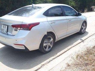 Xe Hyundai Accent sản xuất năm 2019, màu bạc còn mới