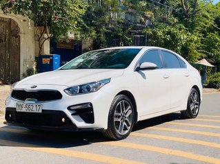 Cần bán gấp chiếc Kia Cerato 1.6AT Luxury sản xuất 2019