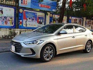 Bán Hyundai Elantra 2019, màu vàng cát