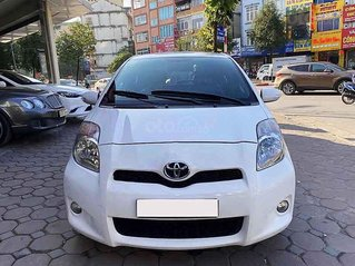 Bán Toyota Yaris sản xuất 2013, màu trắng, nhập khẩu