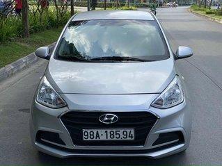 Cần bán xe Hyundai Grand i10 đời 2018, màu bạc