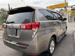 Cần bán gấp Toyota Innova sản xuất 2019 còn mới, 625tr