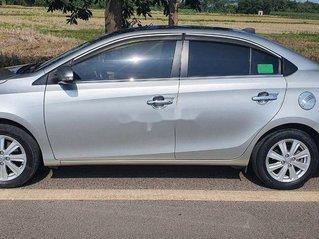 Cần bán lại xe Toyota Vios đời 2015, màu bạc, giá chỉ 350 triệu