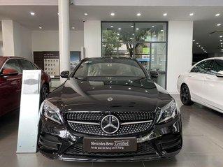 Xe Mercedes C class sản xuất 2020, màu đen còn mới