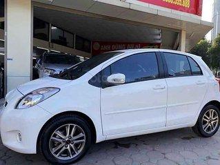 Cần bán gấp Toyota Yaris năm sản xuất 2013, màu trắng, xe nhập