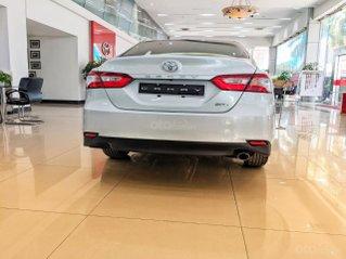 Bán Toyota Camry 2.0 mới 100%, hóa đơn chính hãng, khuyến mại cực khủng