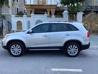 Cần bán Kia Sorento 2013, màu bạc chính chủ