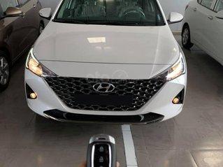 Cần bán xe Toyota Corolla Altis 2.0 SX 2018, màu đen