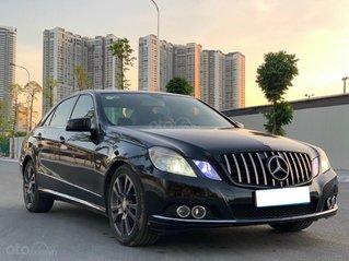 Mercedes-Benz E200 AMG 2010 màu đen, xe nhập