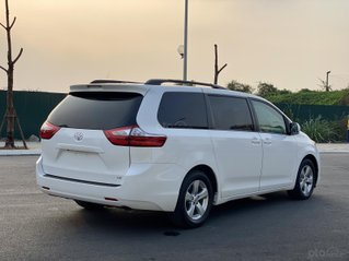 Toyota Siena LE sản xuất năm 2015, màu trắng