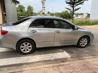 Cần bán gấp Toyota Corolla Altis sản xuất 2010, màu bạc chính chủ, giá 360tr
