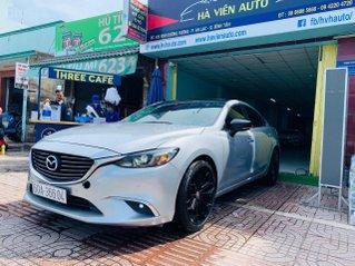Bán xe Mazda 6 2.0 sản xuất 2017, màu xám khói, xe đẹp như mới, giá cả uy tín