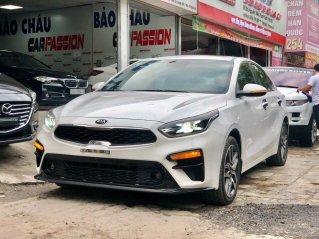 Bán xe Kia Cerato 2.0 sản xuất 2019, màu trắng, xe đẹp như mới