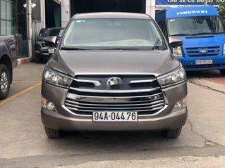 Cần bán xe Toyota Innova đời 2019, màu xám còn mới