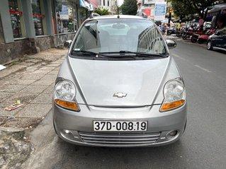 Cần bán xe Chevrolet Spark sản xuất 2011, màu bạc, giá tốt