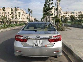 Bán Toyota Camry đời 2013, màu bạc, giá 666tr
