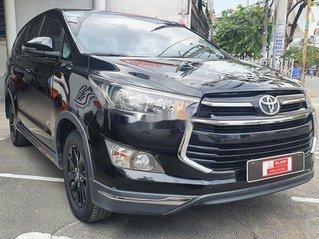 Cần bán Toyota Innova năm 2018, màu đen