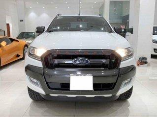 Cần bán lại xe Ford Ranger Wildtrak 3.2L 4x4 AT đời 2017, màu trắng số tự động, giá 755tr
