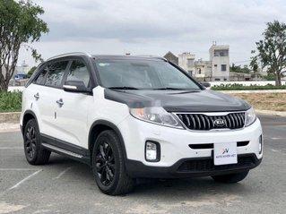 Cần bán xe Kia Sorento sản xuất 2018 còn mới, giá chỉ 798 triệu