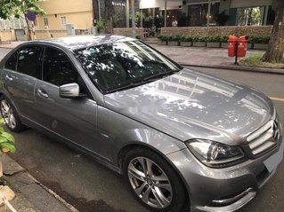 Cần bán xe Mercedes C200 sản xuất 2013 chính chủ, 596tr