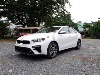 Bán xe Kia Cerato 2020, màu trắng, nhập khẩu, giá tốt