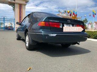 Bán Toyota Camry đời 2001 chính chủ, 248 triệu