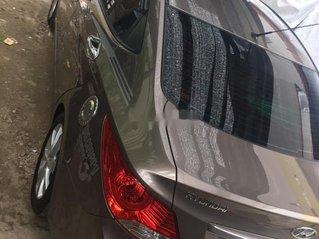 Gia đình bán Hyundai Accent đời 2011, màu nâu, xe nhập