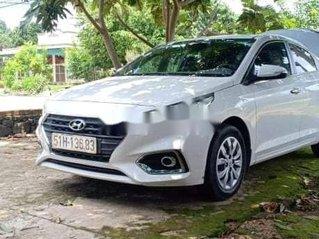 Bán Hyundai Accent sản xuất 2019, màu trắng, nhập khẩu nguyên chiếc còn mới, giá 420tr