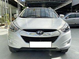 Xe Hyundai Tucson đời 2013, màu bạc, 555 triệu