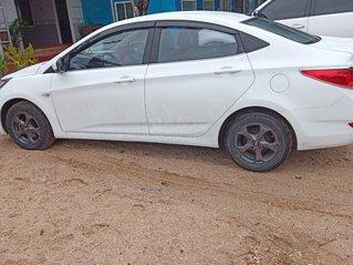 Cần bán Hyundai Accent 2011, màu trắng, giá 320tr - giá bán ra rất hợp lý