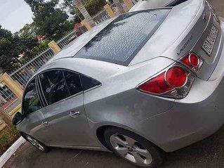 Bán ô tô Chevrolet Cruze đời 2011, màu bạc còn mới