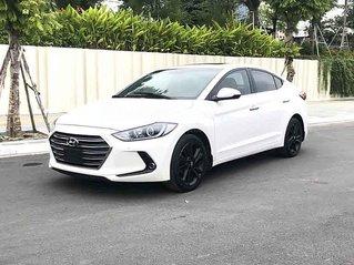Cần bán xe Hyundai Elantra GLS đời 2017, màu trắng