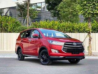 Cần bán xe Toyota Innova Venturer năm 2018, màu đỏ, 715tr