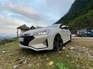Cần bán lại xe Hyundai Elantra đời 2020, màu trắng