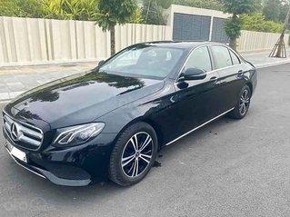 Cần bán lại xe Mercedes E180 năm sản xuất 2019, màu đen
