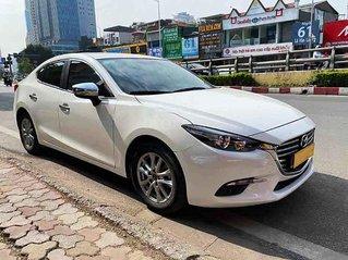 Bán xe Mazda 3 1.5AT năm sản xuất 2018, màu trắng chính chủ, 605 triệu