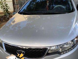 Cần bán Kia Forte sản xuất năm 2013, màu bạc còn mới