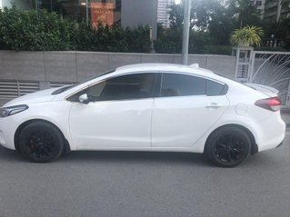 Xe Kia Cerato sản xuất 2017, màu trắng, nhập khẩu, 415 triệu